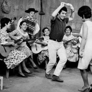 Victor Jara dancing Cueca with Cuncumen